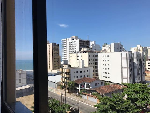 2 quartos - Praia do Morro - 80 mts
