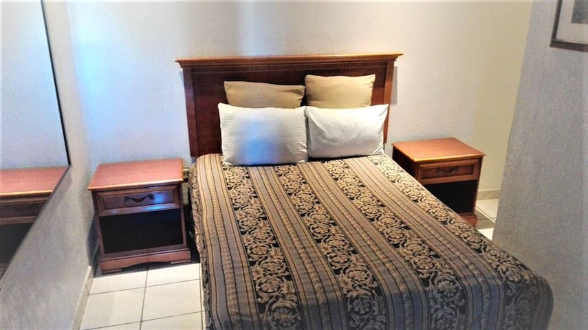 Hotel Don Quijote Mexicali Simple Room