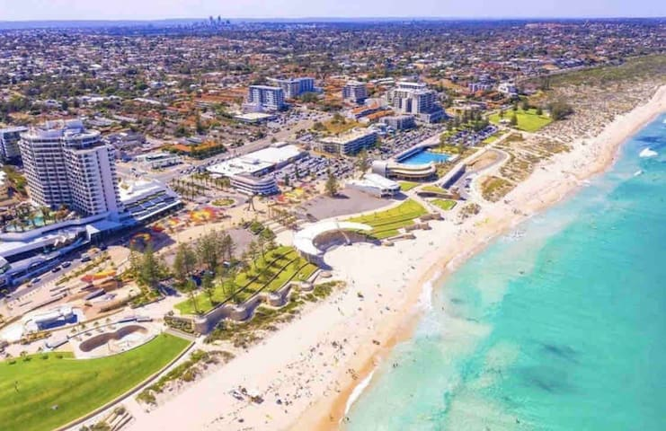 BEACH HOUSE WITH THE BEST VIEWS IN PERTH 😍
