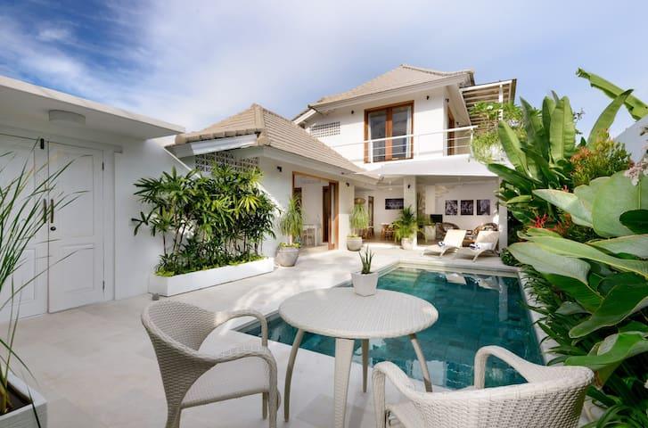 Bright, Modern, Villa Jasmine, close to everything - South Denpasar