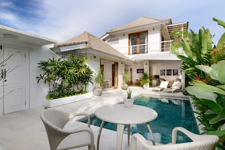 Bright, Modern, Villa Jasmine, close to everything - South Denpasar - Casa de camp
