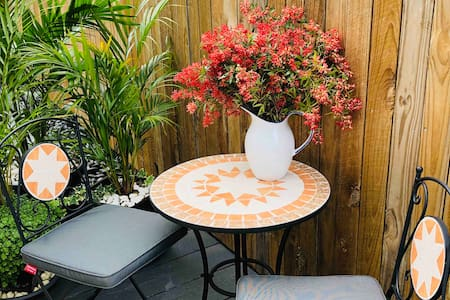 Rose & Time Retreat Bangalow Private Guest Suite