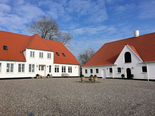 Landlig idyl på den gamle præstegård - Gråsten - Flat