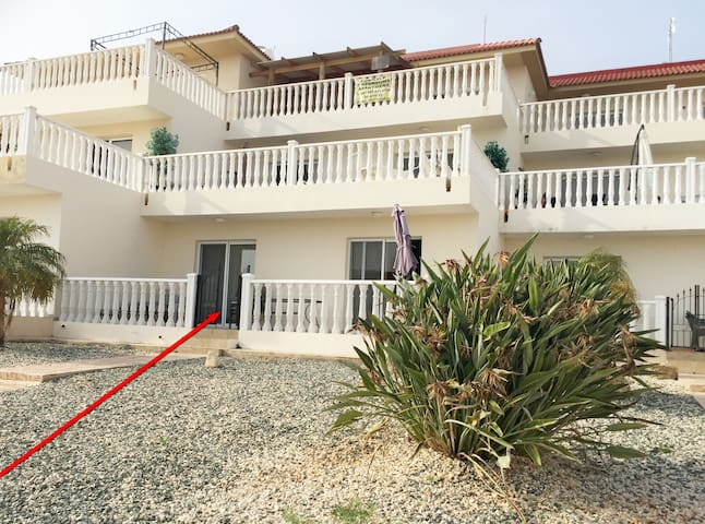 LUXURY APARTMENT D2 near NISSI BEACH