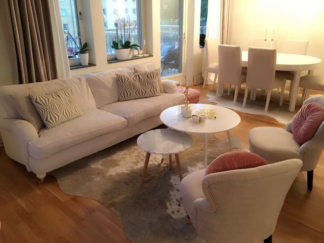 Room in modern apartment with great location - Göteborg - Apartemen