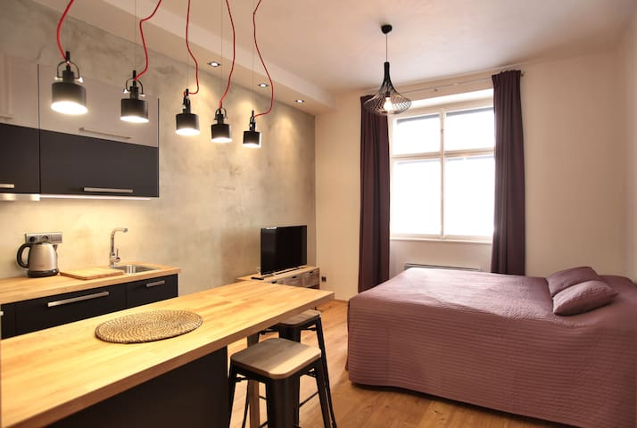 Modern and fully equiped studio