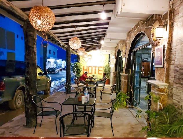Hotel Puerta Del Sol room #14