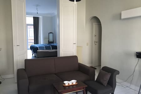 Apartment in  St gilles close to Chatelain