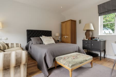 Stunning Studio apartment for 2 - Midhurst - Apartment