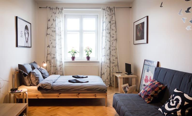 Clown Apartment - Prag