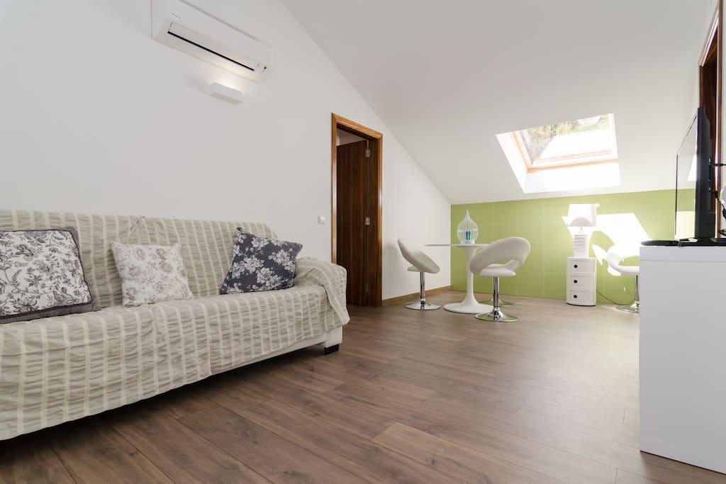 Sala de estar entre Quarto Verde e Quarto Ocre
