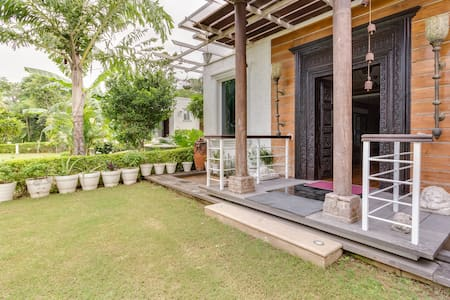 Rustic Farm House in heart of Delhi - Nuova Delhi