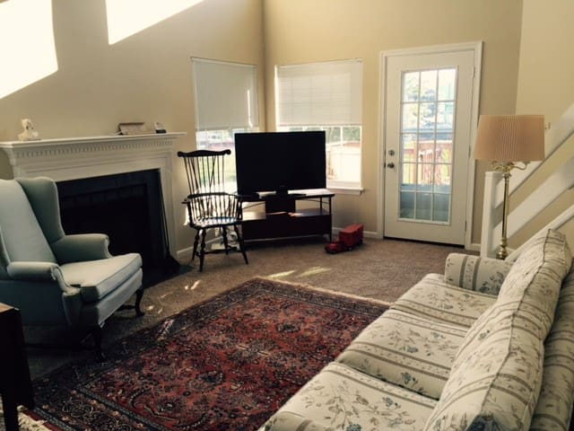 Comfortable condo - Morgantown - Bed & Breakfast