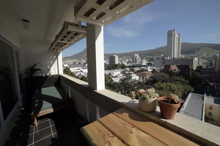 Central Inner City Apartment With Fantastic Views - Cape Town - Apartmen