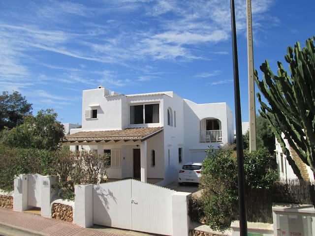 Spacious Villa with own pool 5 mins from beach - Santanyí - Villa