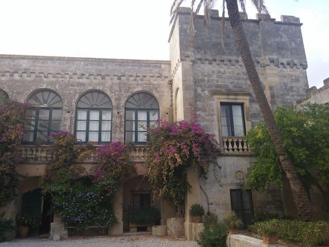 Independent apartment in castle - Depressa - Castell
