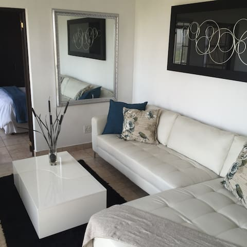 Eagles Nest   Executive Apartment - Johannesburg South - Daire
