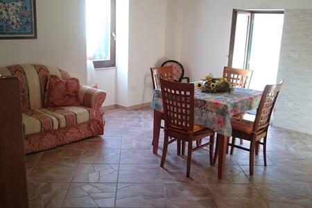 Da Antonio Via Limbia - Monforte San Giorgio - 独立屋