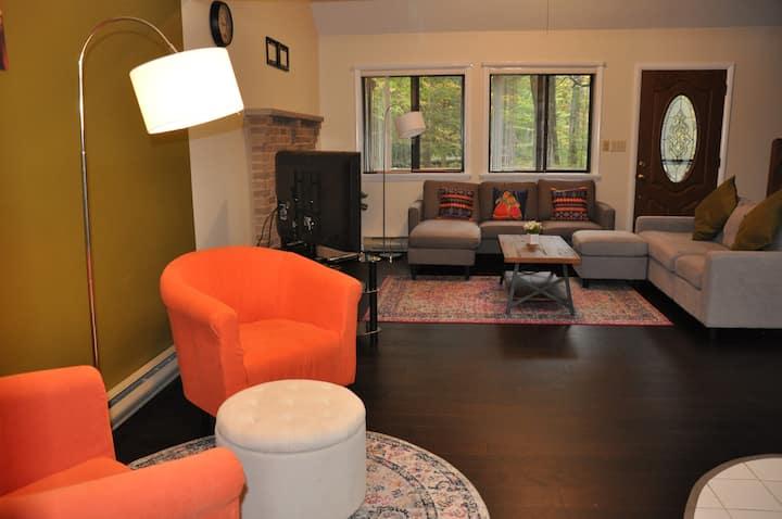 New! Cozy Hillside Home in the Hideout,Poconos