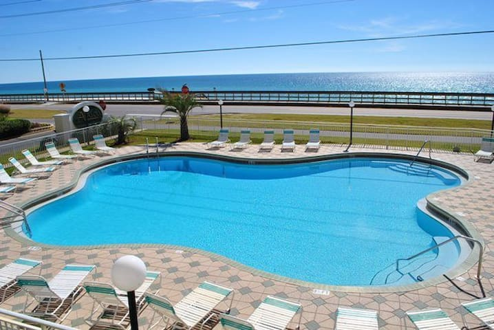 *SPECIAL Only $129/Nt!9/28-10/4 FREE Beach Service