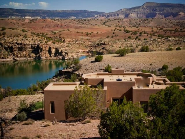 Luxury Custom Abiquiu Lake Home, 2bdr/2bth, A/C, - Abiquiu