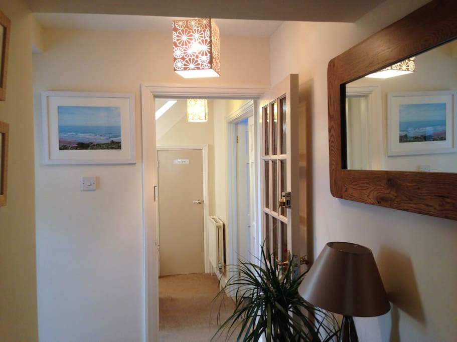Private entrance to the annexe. You get a key to main house and a key to each room. Nice and private.