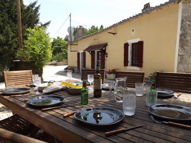 Spacious holiday cottage with pool