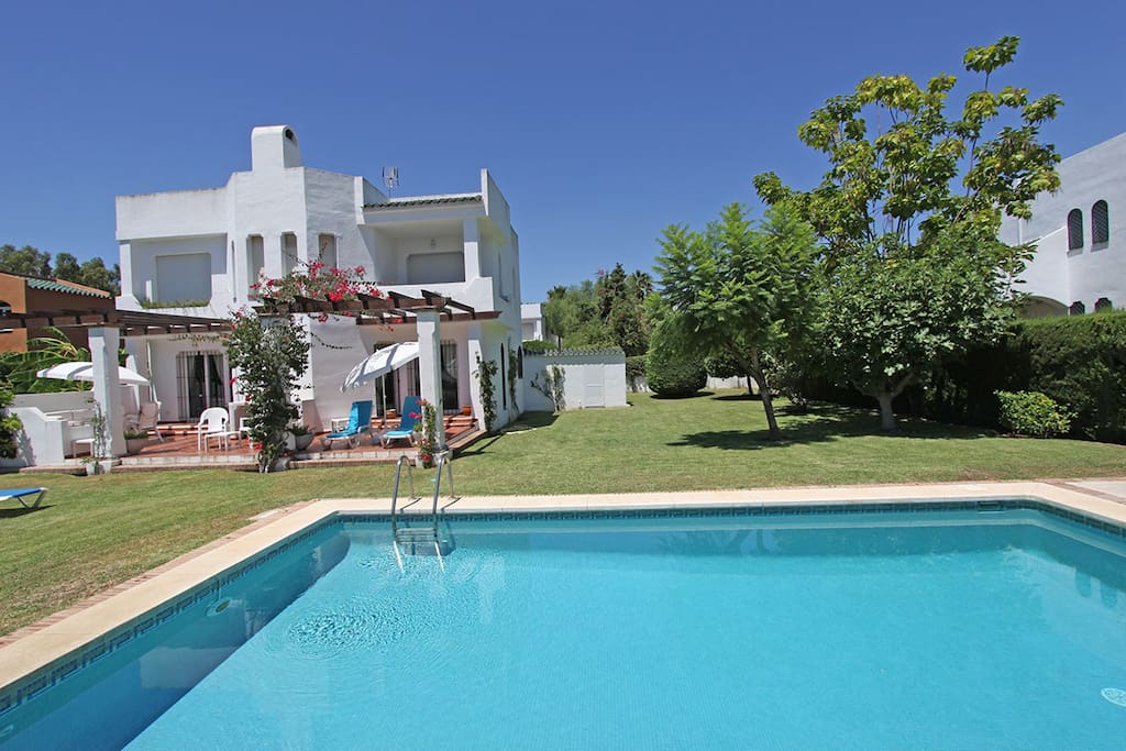 Nice villa  with two floors on a 700 m2 plot