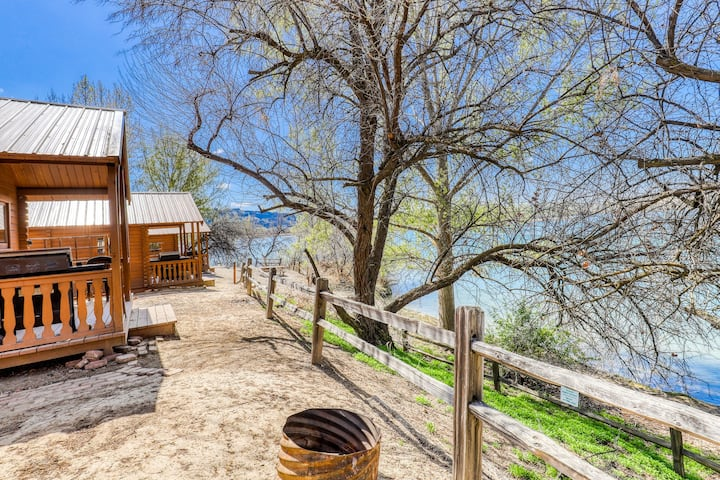 Get away from it all at this charming, dry cabin - just steps from the lake!