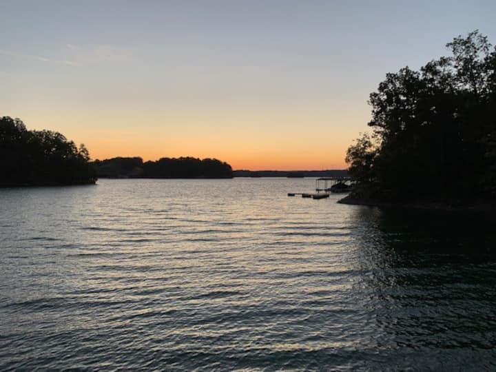 Stunning lake front home on Lake Lanier!