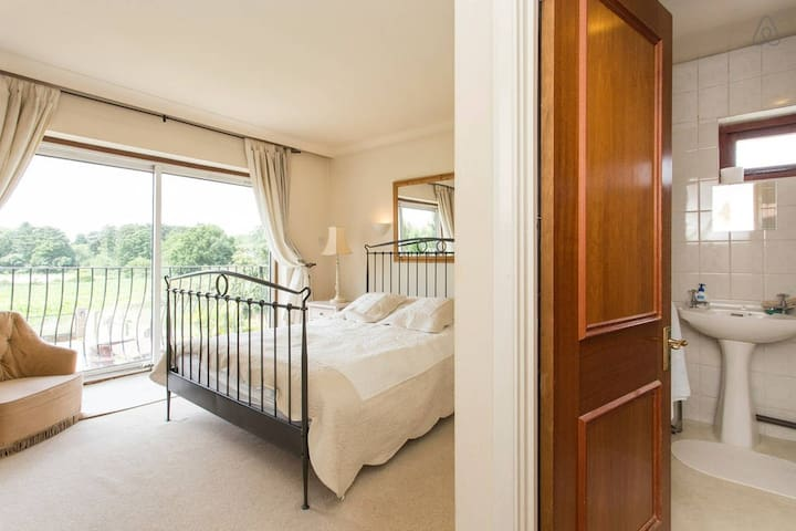 Ridgeview B&B - The Hertford Suite