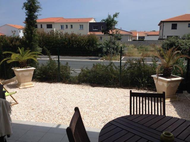 Joli T2 ac terrasse près de la mer - Théza