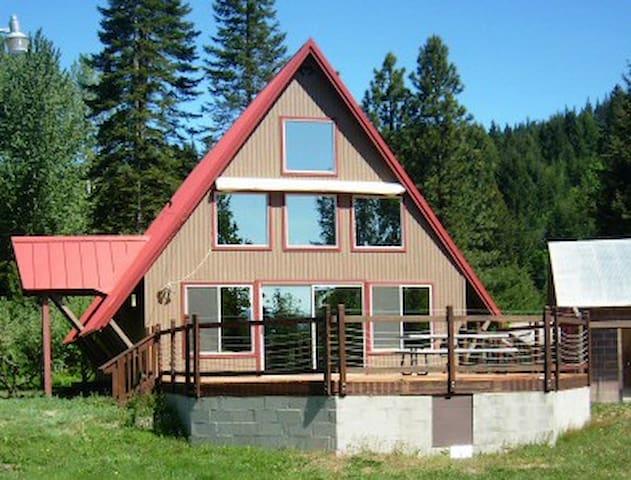 Your Basecamp in the Cascades - Cle Elum - Blockhütte