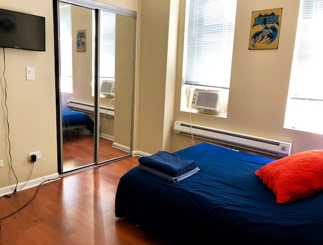 Private Rooms in Modern Spacious Apt Near Downtown