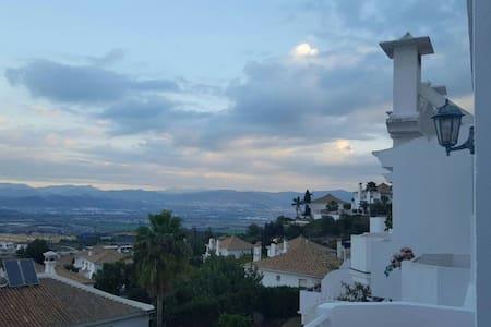 Impresionantes vistas chalet Malaga - Alhaurín de la Torre - Hus