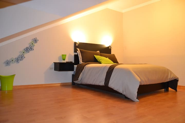 Hostal Kolibri B&B Habitacion Doble - Cuenca - Bed & Breakfast