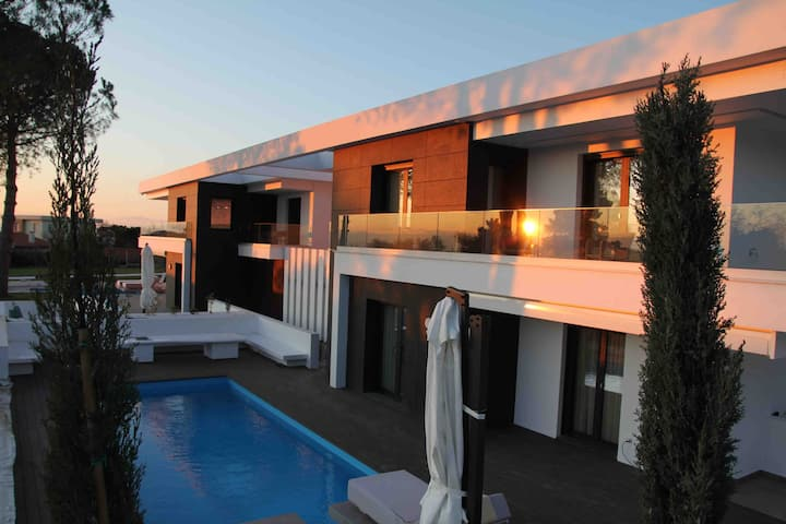 Luxury relaxing villas panorama