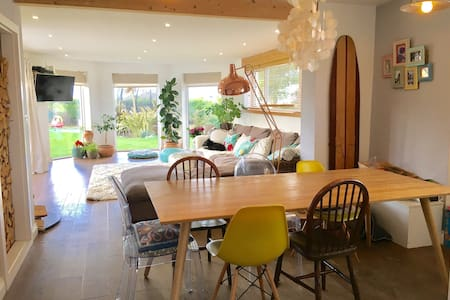 Private Spacious Coastal Home - Newquay