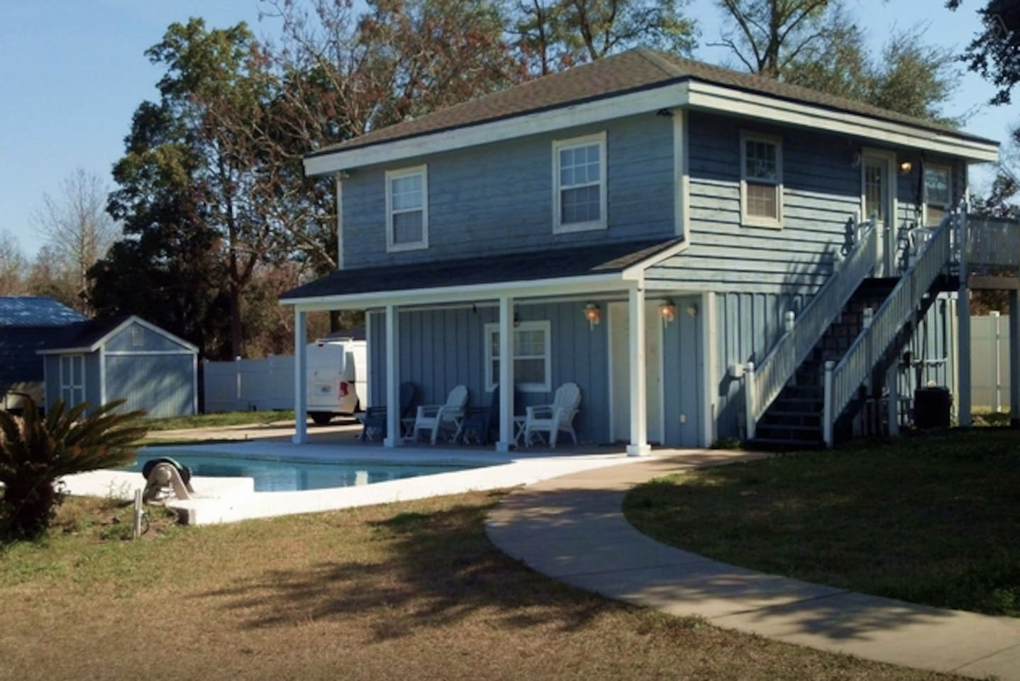 THE POOL HOUSE: Country Atmosphere in the Center of Jacksonville