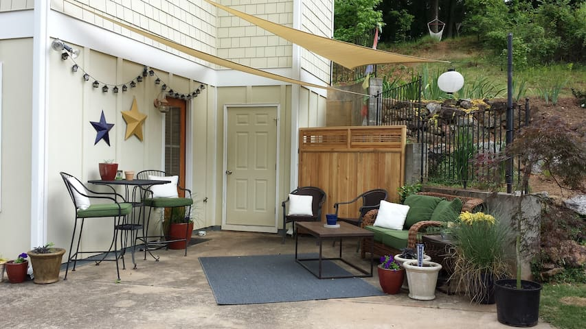 Outdoor shaded patio seating for 6 people