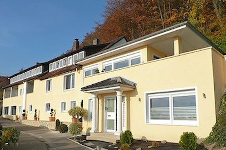 Komfortables Apartment der Villa Joya Schaumburg - Rinteln - Guesthouse
