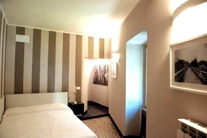 Suite Rocce Nere-romantica ed elegante 35 km GE