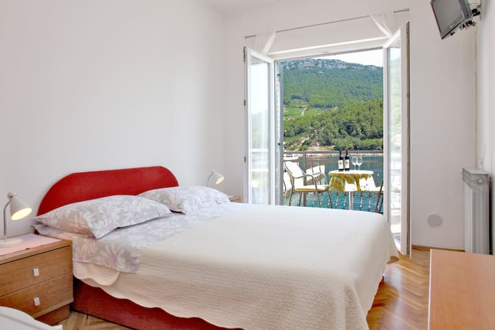 Sea View Room for 2 persons - Trstenik - Apartment