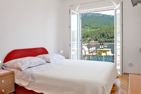 Sea View Room for 2 persons - Trstenik