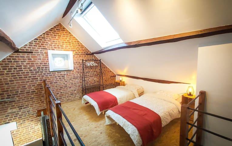 Mezzanine (chambre 3), avec 2 lits simples