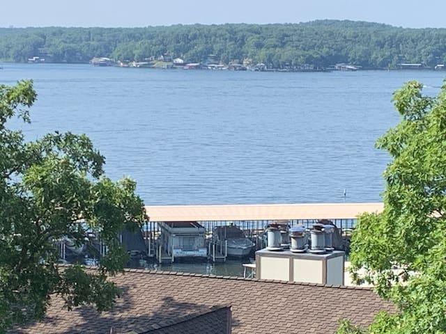 13 MM Lakeside Getaway