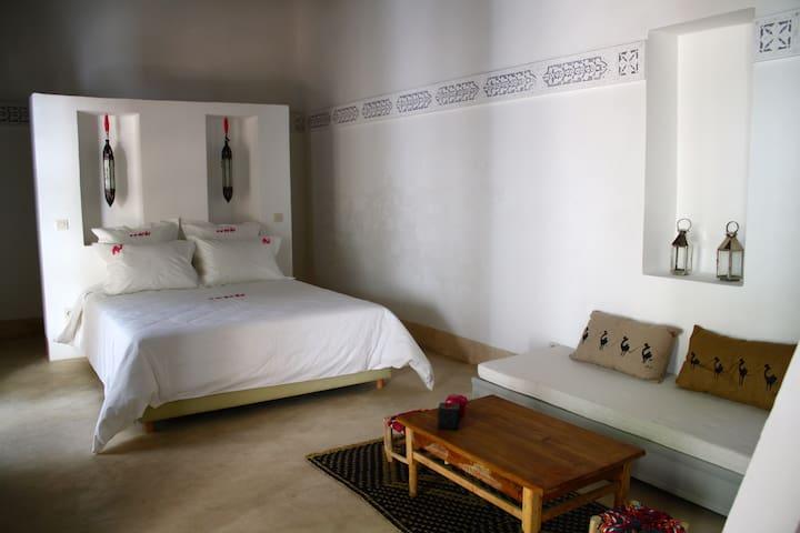 "Riad Yamcha - SUITE  ""Thé Berbère"" - Meknes - Bed & Breakfast"