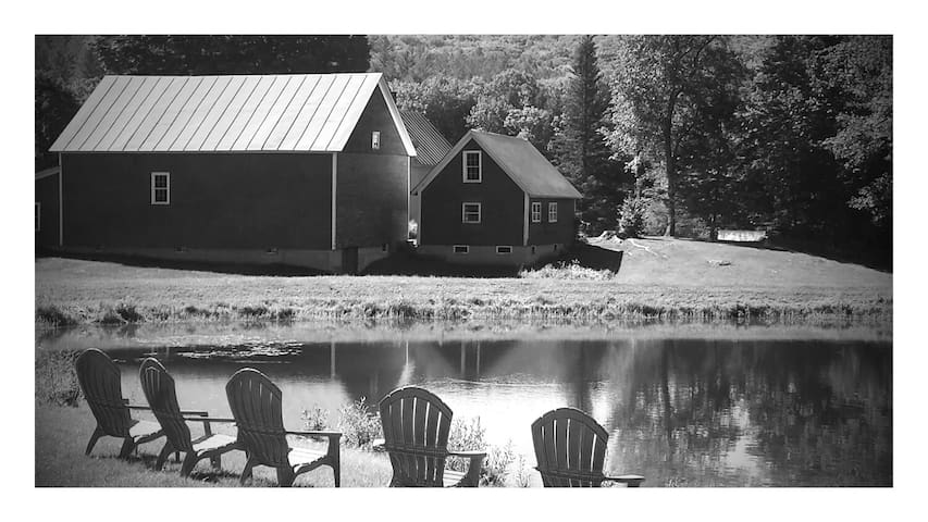RUSTIC LUXE Farmhouse  on 10 acres - Bridgewater - Maison