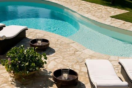 Villa Artisti, a fantastic holiday - Pietrasanta - Vila