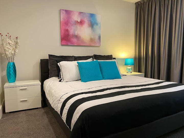 ❤️The Gallery Exec 1BR Apt@Braddon✅Wine✅Secure Park